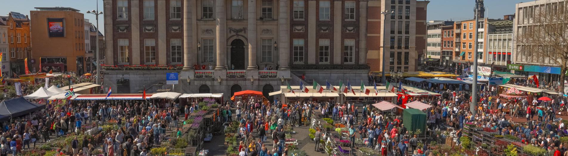 Bloemtjes Jaarmarkt Groningen (19-04-2019) by DillenvanderMolen #MrOfColorsPhotography #PortfolioOfColors