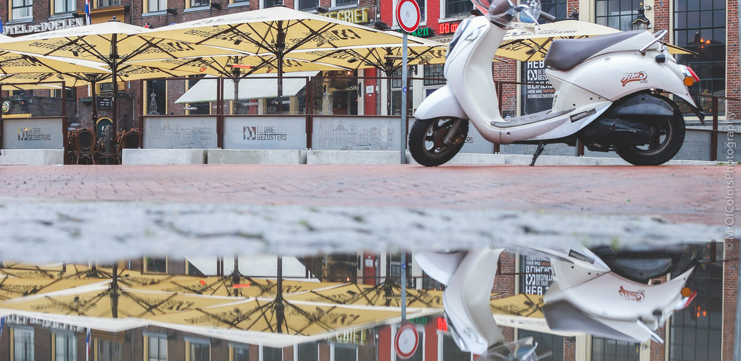 Serie Of Three: #PuddleOfThree @DeDrieGezusters on the Grotemarkt/GroningenCity (06-01-2020) by DillenvanderMolen @MrOfColorsPhotography #ReflectionsByColors