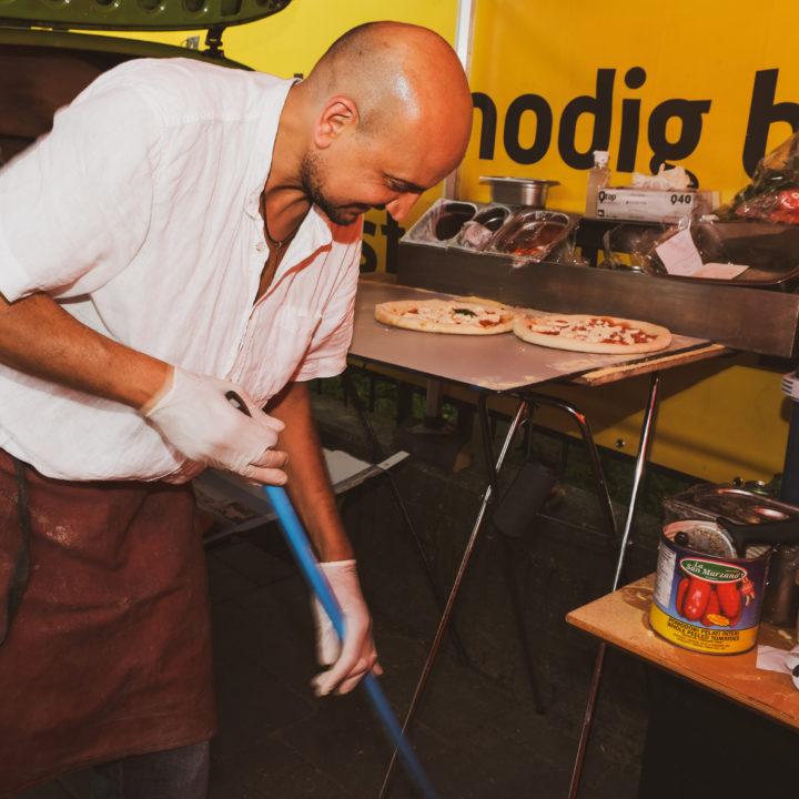 Serie [Part2] Photos of FoodTruck #GiorgioPizza @Mikhael558 [09-06-2021 & 10-06-2021] by DillenvanderMolen @MrOfColorsPhotography